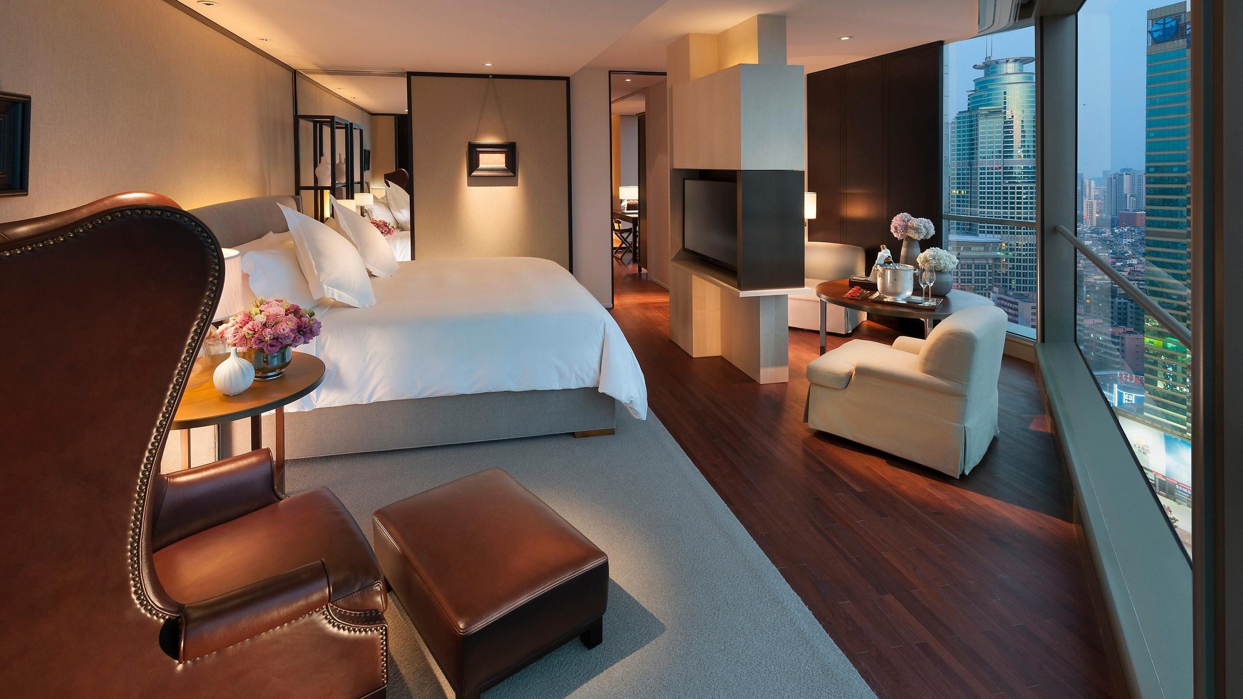 спальня, кровать, кресло