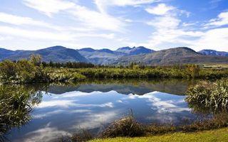 Бесплатные фото вода,озеро,скалы,горы,трава,деревья,небо