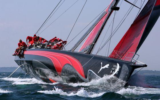 Бесплатные фото яхта,пума,море,океан,вода,волны,ветер,небо,голубое,горизонт,соревнование,люди