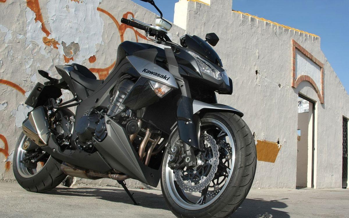 Обои байк, колесо, аэродинамика, стекло, бензобак, выхлоп, фара, тормоза, резина, покрышка, руль, зеркало, металл, мотоциклы на телефон | картинки мотоциклы