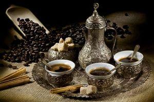 Заставки кофе, поднос, чашки, блюдца, зерна, сахар, еда