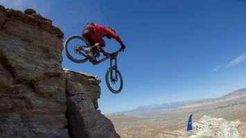 Фото бесплатно велосипед, велик, прыжок