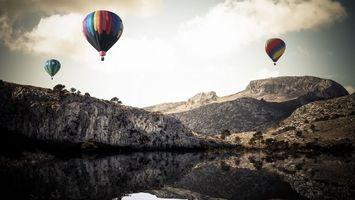Бесплатные фото воздушные шары,небо,облака,скалы,горы,озеро,вода