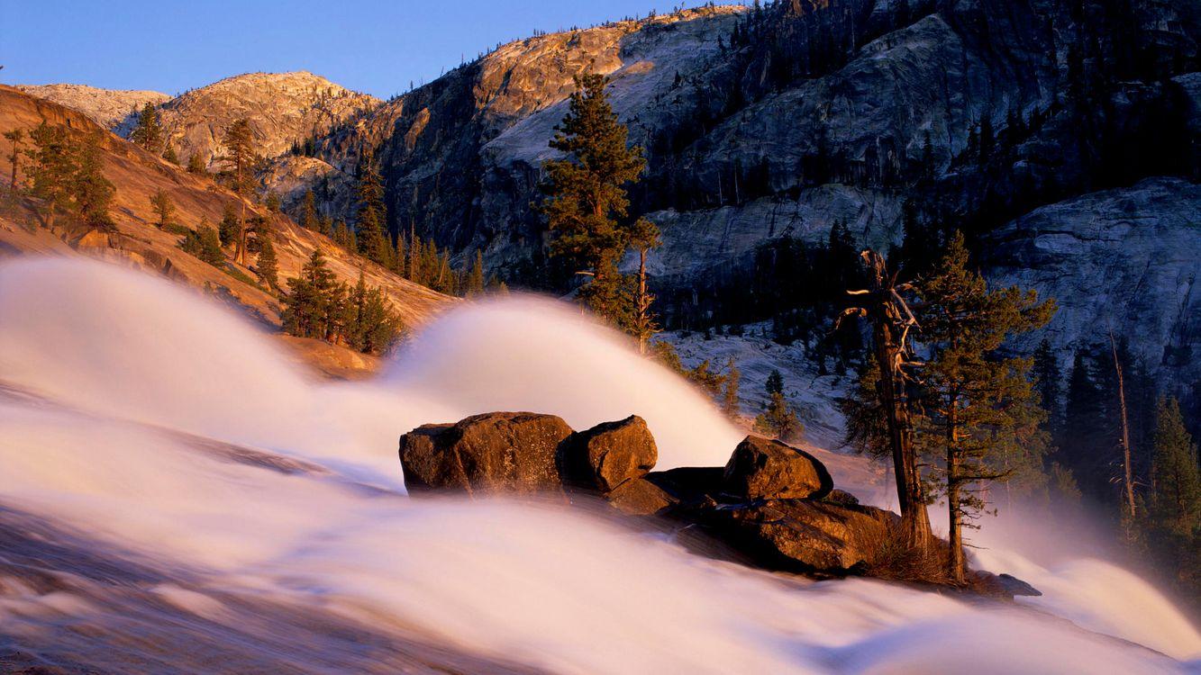 Фото бесплатно гора, возвышенность, вечер, скала, деревья, туман, вода, ручей, природа, природа