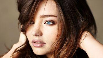 Бесплатные фото девушка,волосы,глаза,голубые,лицо,девушки