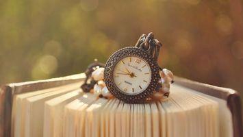 Бесплатные фото часы, книга, циферблат, стрелки, кварц, страницы, жемчуг