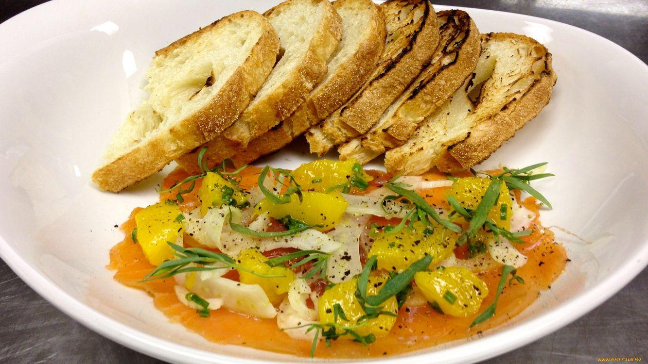 Фото бесплатно хлеб, картошка, зелень, тарелка, соус, перец, еда, еда - скачать на рабочий стол
