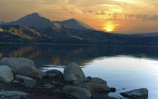 Бесплатные фото небо, сонлце, закат, облока, вода, горы, озеро