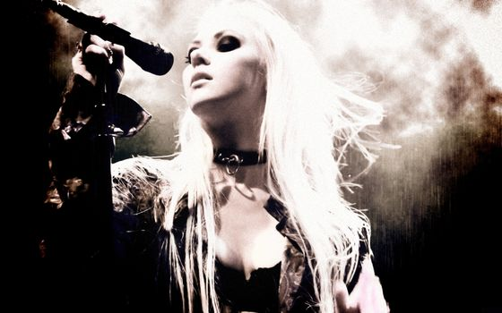 Photo free taylor momsen, at a concert, style