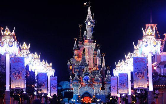 Бесплатные фото castle,paris,france,франция,christmas lights,париж,christmas,disneyland