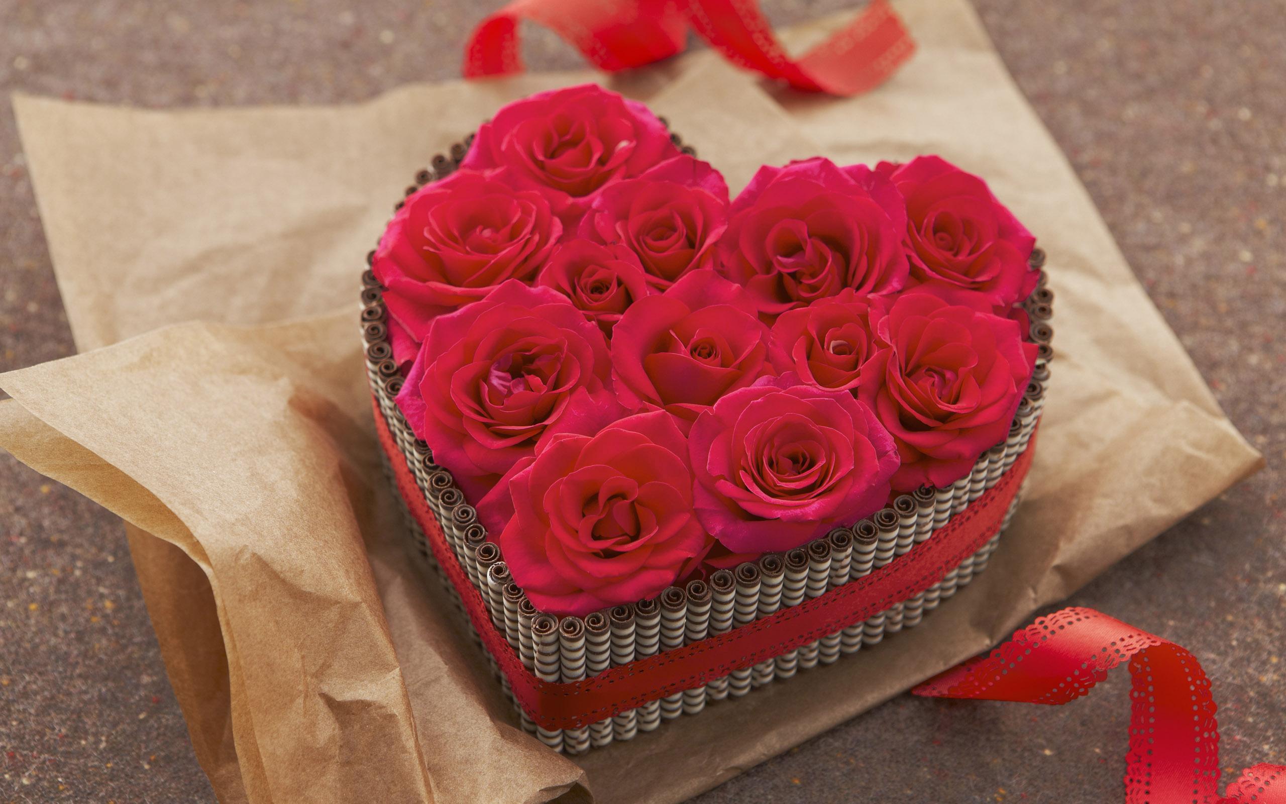 Notta & Belle - Роза в стеклянной колбе в подарок.