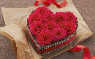 Бесплатные фото валентинов день,резы,сердечка,упаковка,бумага,ленточка,праздники