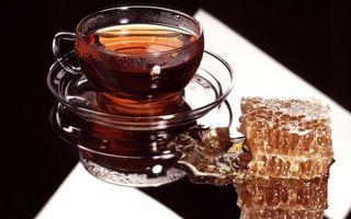 Бесплатные фото чай,мед,соты,чашка,блюдце,стол,еда