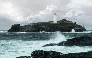 Бесплатные фото маяк,море,камни,небо,волны,облака,разное