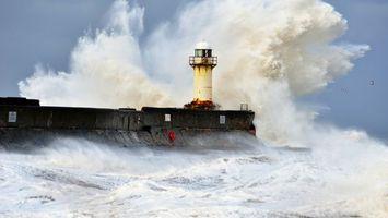 Бесплатные фото море, шторм, волны, маяк, брызги, небо, природа