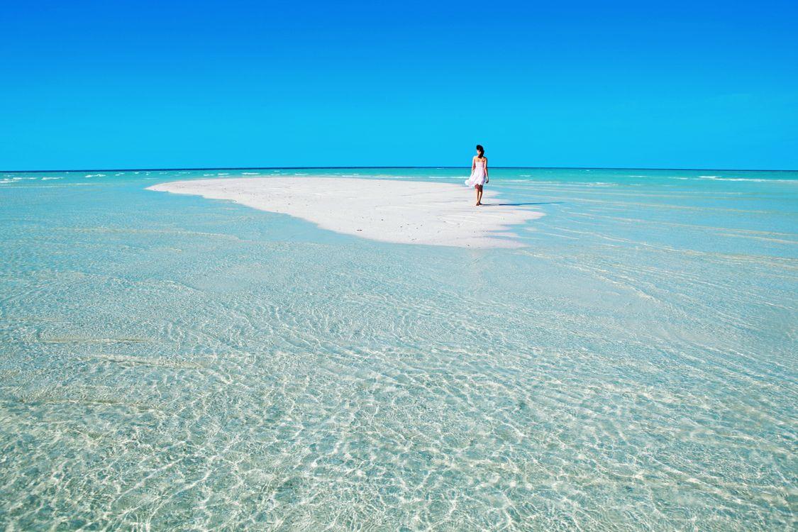Фото бесплатно тропики, мальдивы, море, остров, пляж, девушка, пейзажи, пейзажи