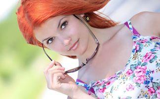 Бесплатные фото стиль,макияж,девушка,очки,рыжая,мода,волосы