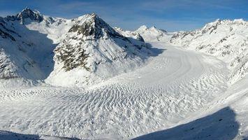 Обои горы, дорога, снег, сугробы, небо, день, ясно, скалы, природа, пейзажи