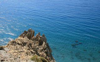 Бесплатные фото море,дно,берег,скала,камни,трава,природа