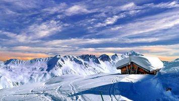 Бесплатные фото снег,горы,дом,крыша,небо,облака,природа