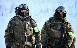 Бесплатные фото солдаты, воины, форма, камуфляж, автоматы, снег, каски