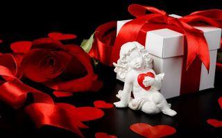 Бесплатные фото подарок, на новый год, ангел с сердечком, сюрприз, красный бантик, новый год