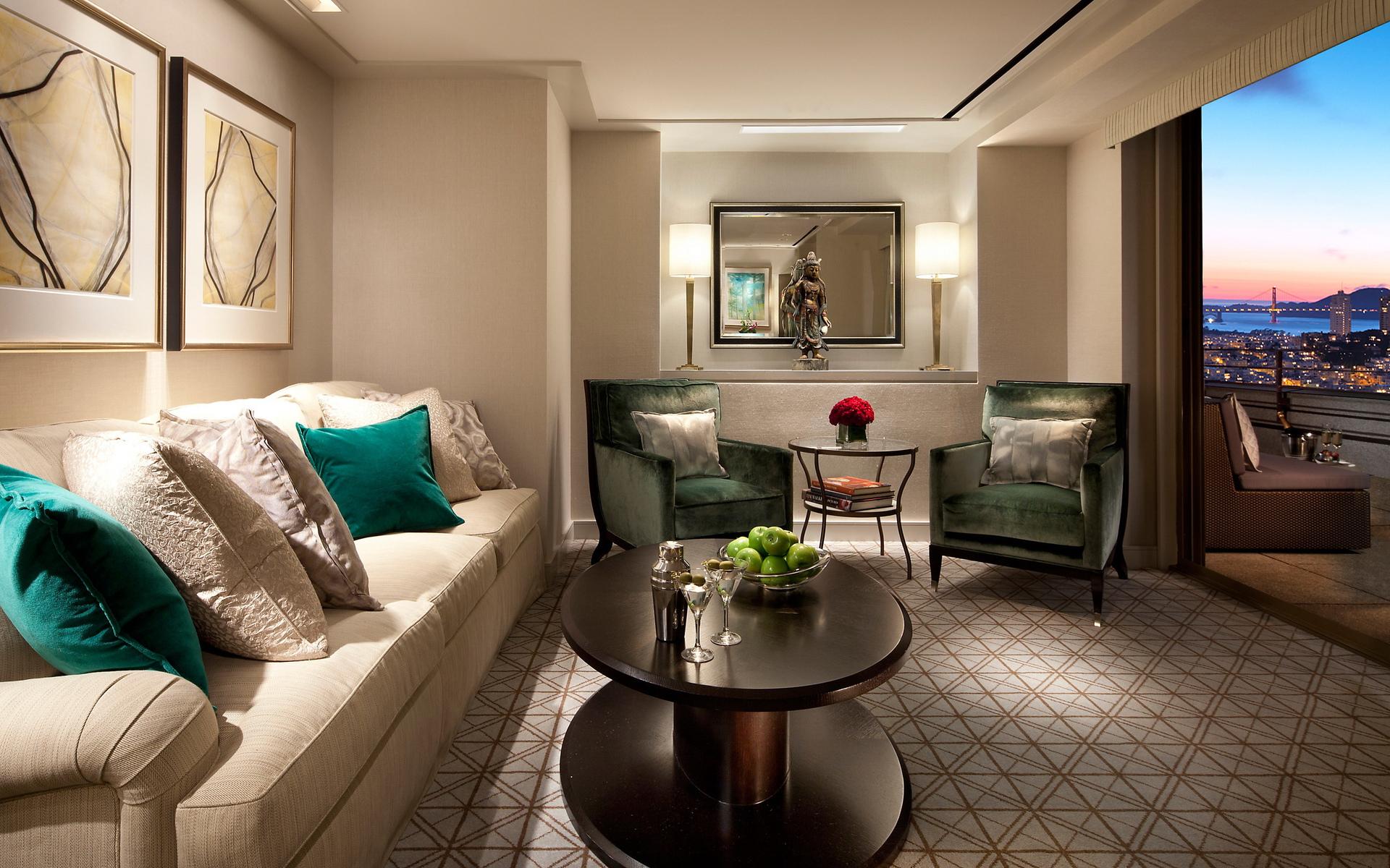 гостиная, диван, подушки
