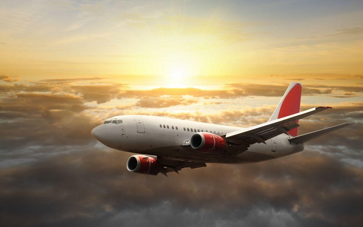 Фото бесплатно самолет, окна, пассажирский, небо, облака, полет, высота, солнце, крылья, хвост, авиация, авиация
