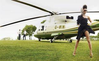 Фото бесплатно вертолет, трава, газон