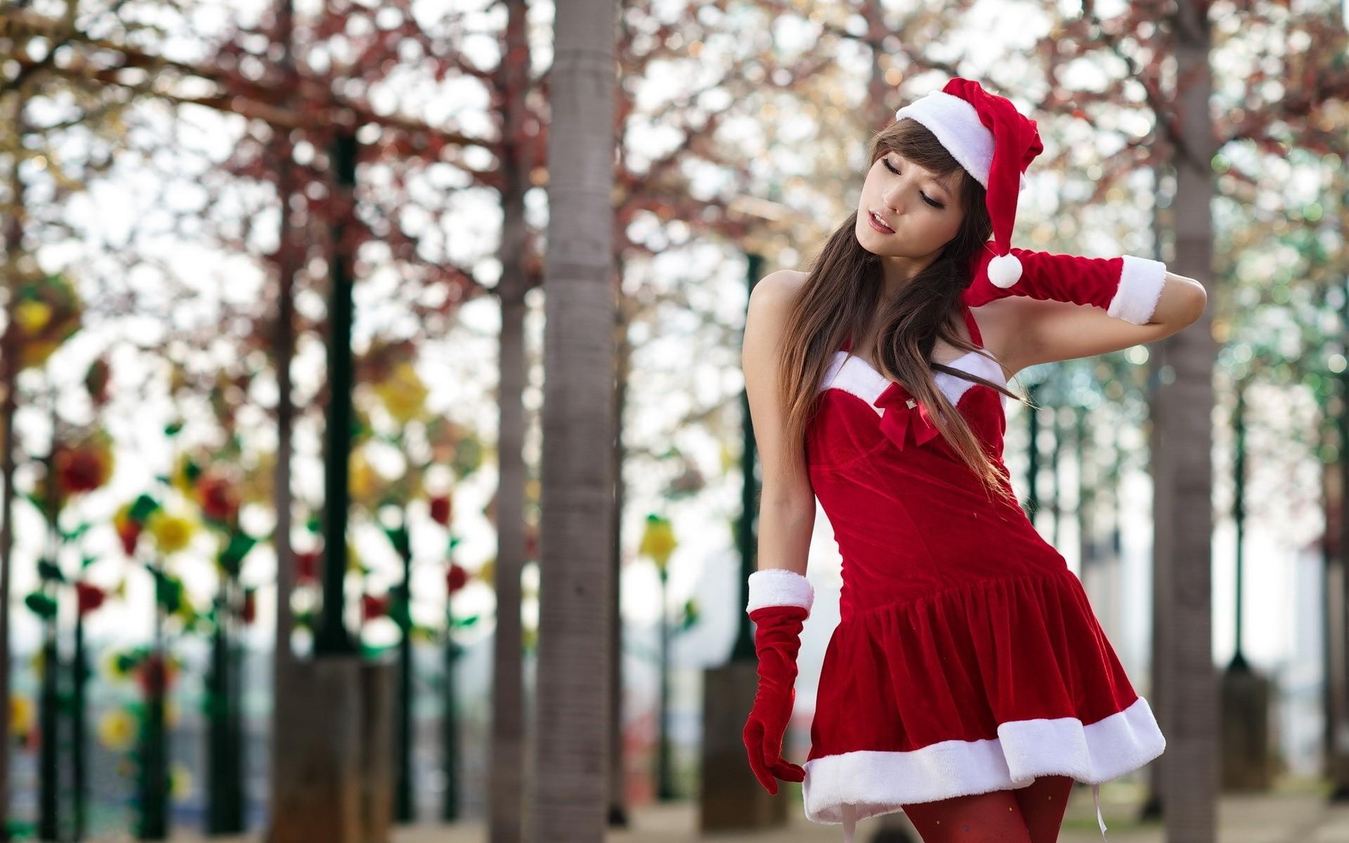 Обои восточная, снегурочка, красный, новогодний костюм