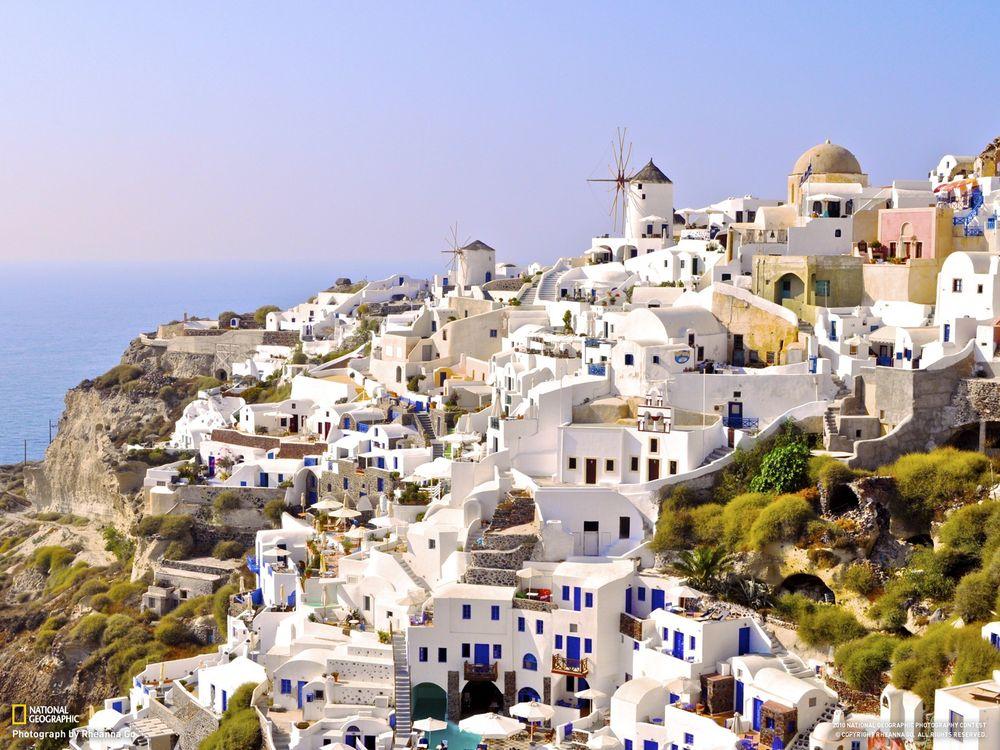 Фото бесплатно город, белый, стена, синий, мельница, храм, national geographic, трава, зелень, гора, скала, разное