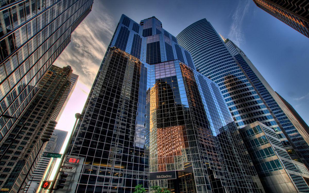 Фото бесплатно дома, небоскребы, окна, стеклянные, небо, голубое, город, город