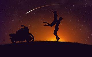 Бесплатные фото парень,девушка,мотоцикл,звезды,ночь,разное