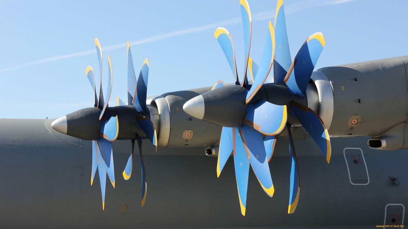 Фото бесплатно самолет, двигатели, винт, синий, небо, голубое, авиация, авиация