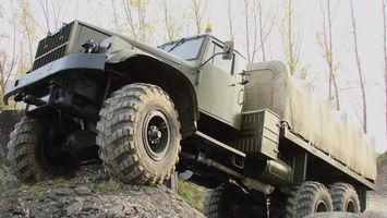 Бесплатные фото военная,грузовая,колеса,кабина,лес,деревья,машины
