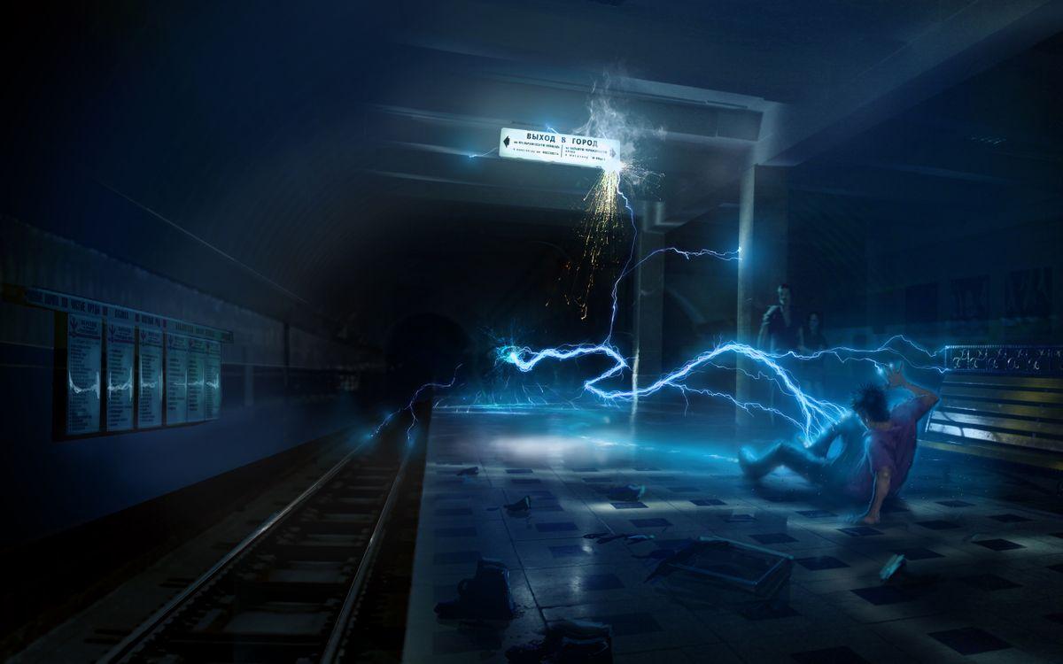 Фото бесплатно фантастика, картинка, метро, семья, человек, инопланетное, существо, молнии. ток, разряд, атака, разное