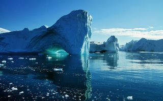 Фото бесплатно льдины, айсберг, север, антарктида, лед, мороз, холод, озеро, океан, зима, небо, голубое, природа, пейзажи