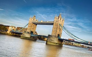 Photo free bridge, tower, london