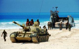 Бесплатные фото танк,гусеницы,дуло,солдаты,десантный,катер,оружие