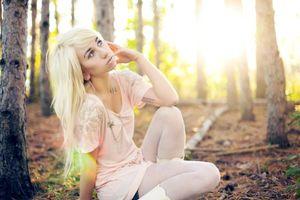 Фото бесплатно девушка, блондинка, лес
