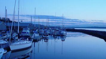 Обои море, вода, яхты, дома, красиво, небо, природа