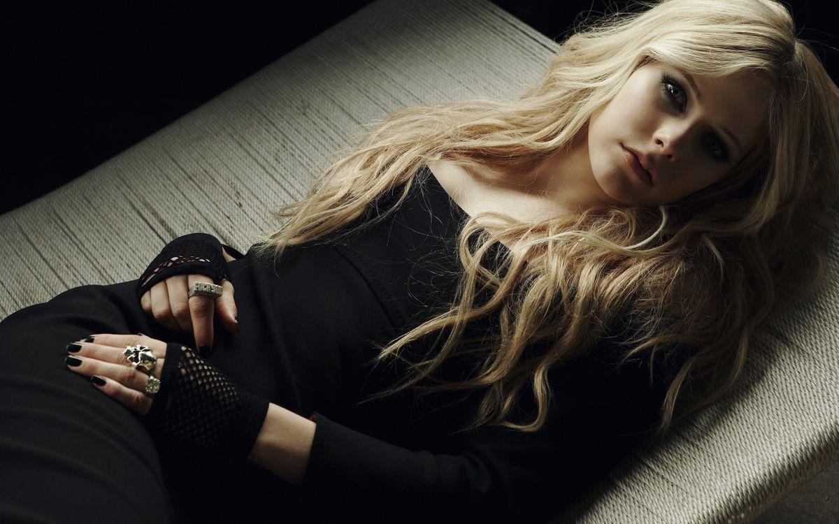 Фото бесплатно блондинка, макияж, платье - на рабочий стол