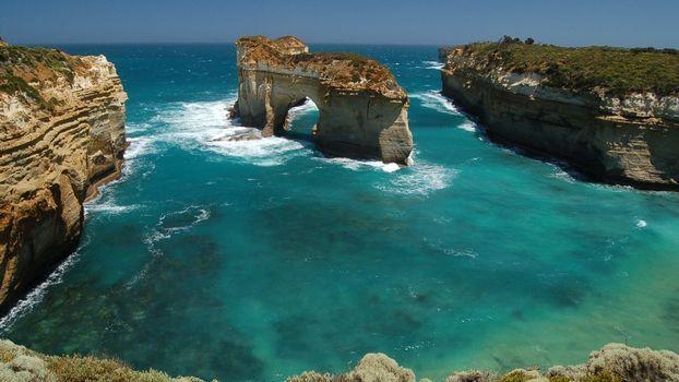 Бесплатные фото камни,скалы,море,океан,тихий,небо,облака,горизонт,дно,пейзажи