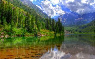Бесплатные фото озеро,дно,камни,горы,деревья,трава,небо