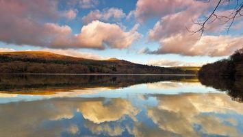 Бесплатные фото озеро,отражение,небо,облака,холмы,деревья,пейзажи