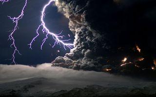 Фото бесплатно вулкан, выброс, пепел, огонь, разряд, молния, природа