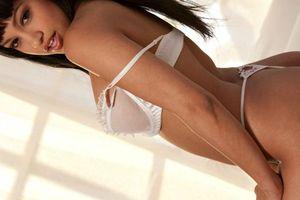 Бесплатные фото Abella Anderson,красотка,в постели