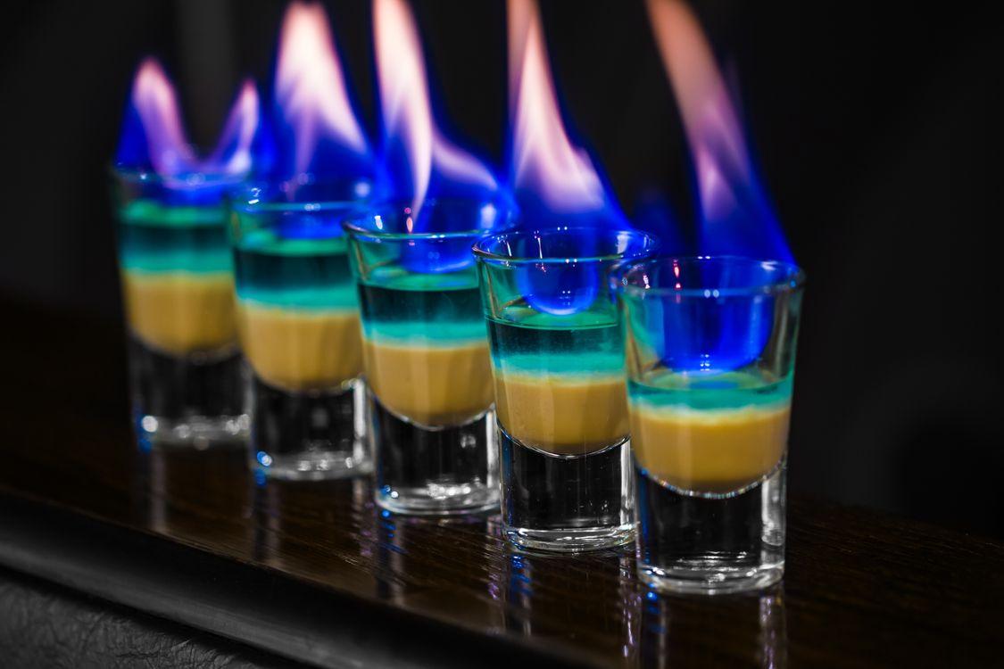 Фото бесплатно коктейли, огонь, бокалы - на рабочий стол
