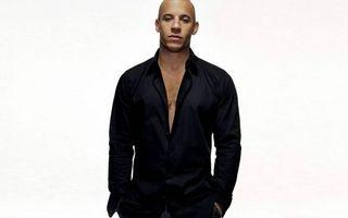 Бесплатные фото Вин Дизель,актер,лысый,рубашка,черная,фон белый
