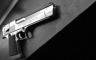 Заставки пистолет,ствол,сталь,курок,затвор,гравировка,рукоять